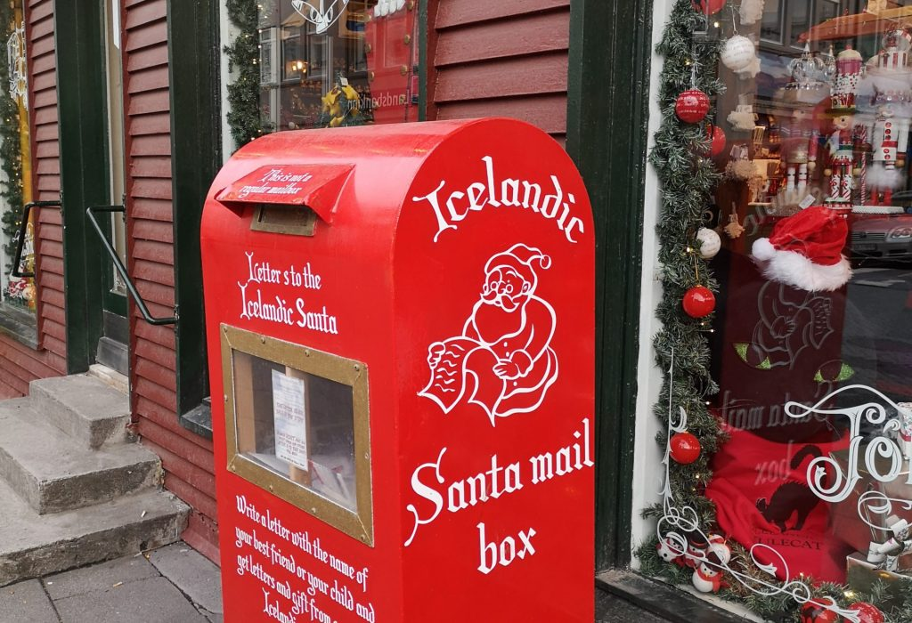 Santas roter Briefkasten