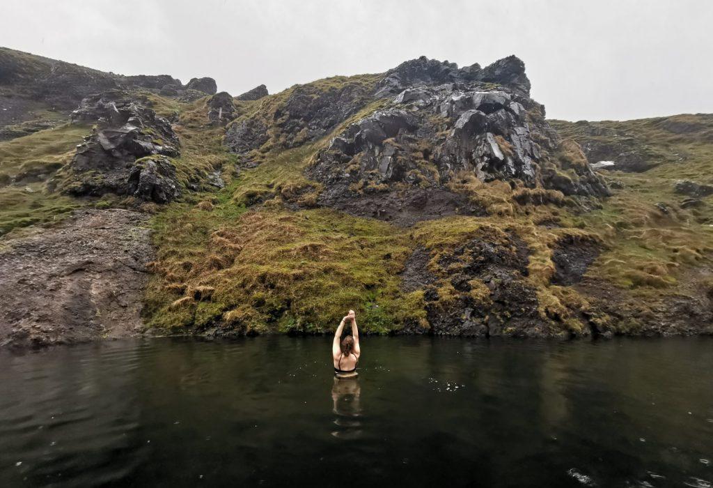 Schwimmen im Seljavallalaug